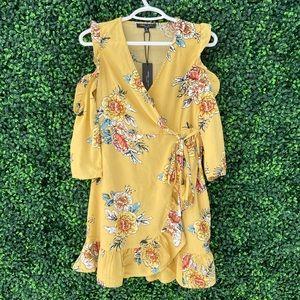 NWT Floral Yellow Romeo & Juliet Long Sleeve Dress